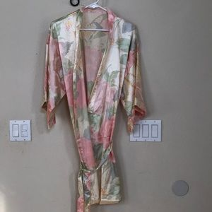 Vintage silky floral robe m/l gorgeous!!